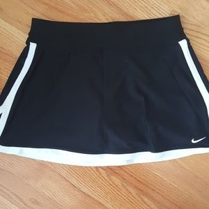 Nike tennis skirt in black
